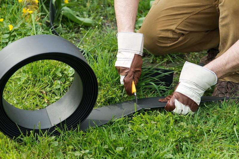 монтаж садового пластикового бордюра фото
